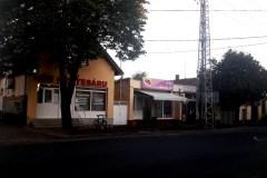 Üzletsor - Baross utca 4.